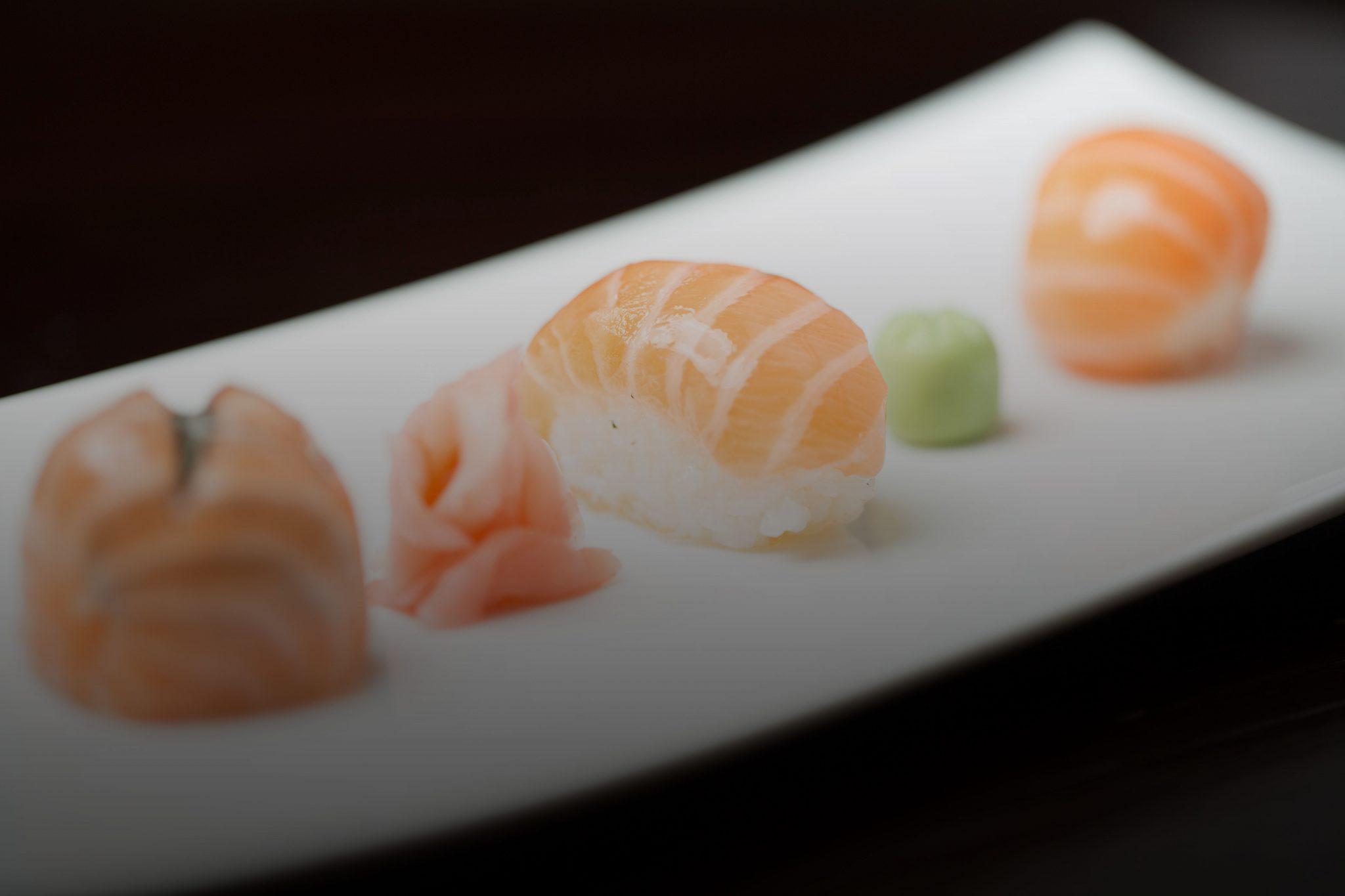 Nigiri Sushi und Sashimi
