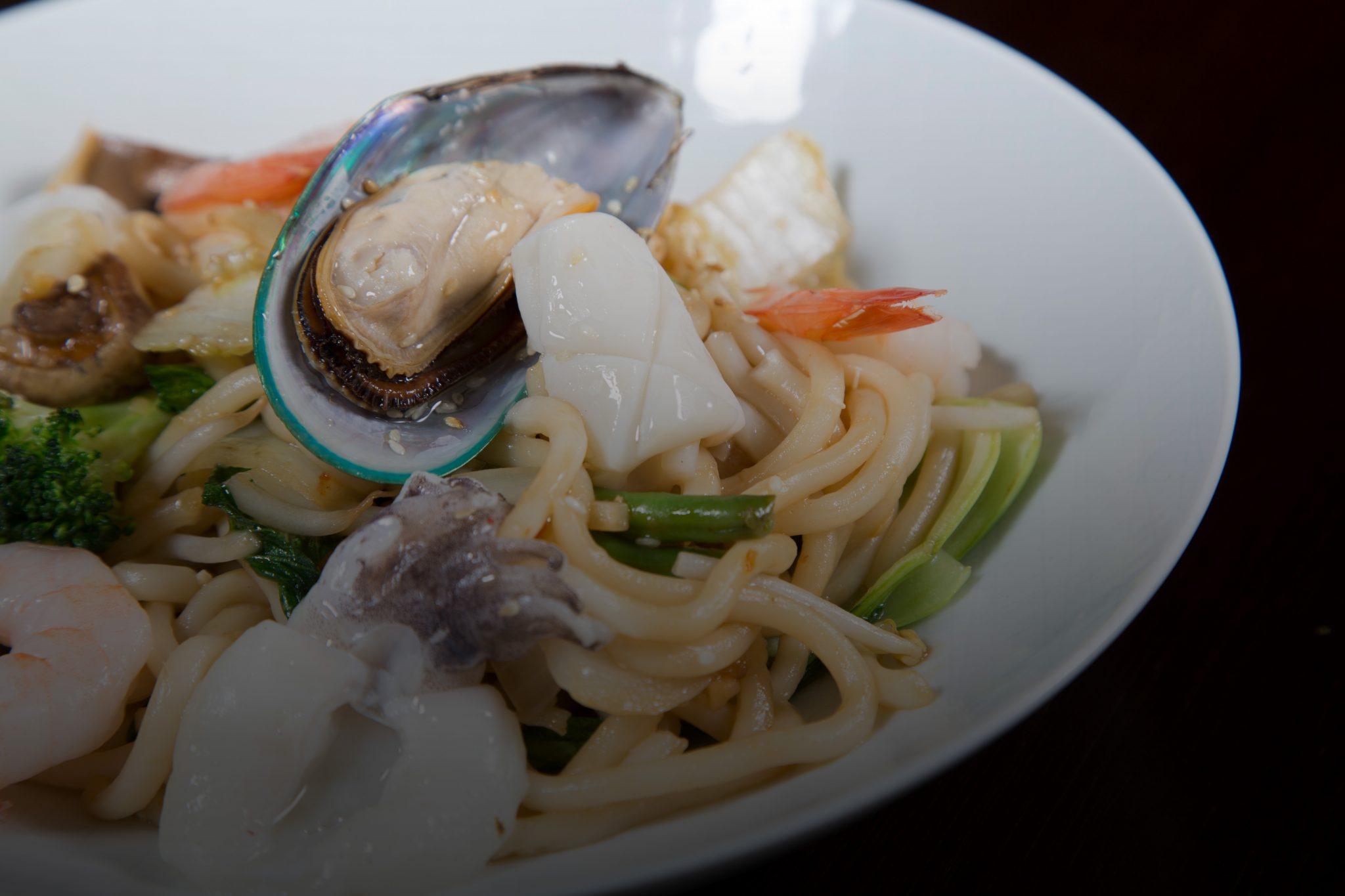 Noodle big Bowl, Reis und Udon Nudeln
